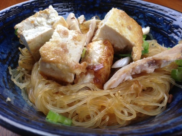 How to cook pancit sotanghon noodles with chicken and tofu for Red boat fish sauce whole foods