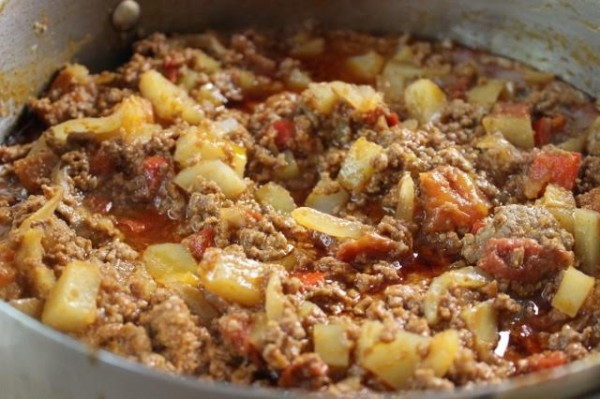 Picadillo Ground Beef Saute With Potatoes And Carrots Asian In America